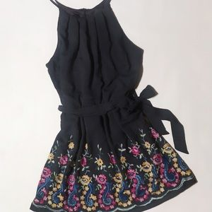 NWT  juniors xl embroidered dress